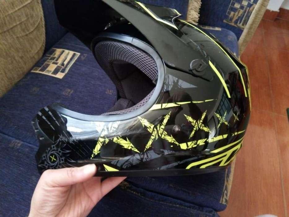 Casco Y Protecciones para Bicicross
