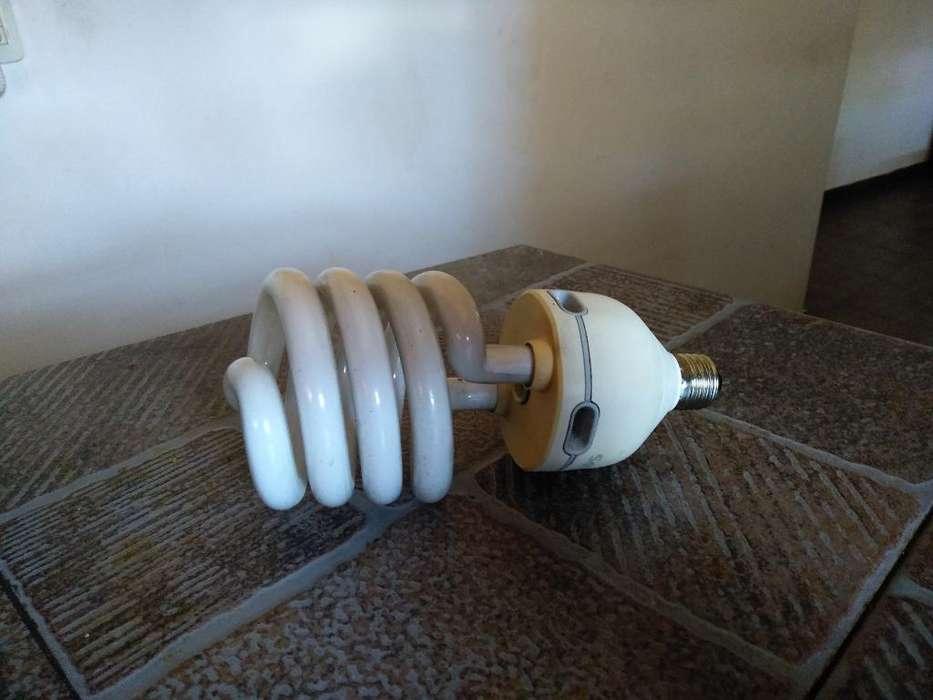 Lampara Gigante Twister Rulo 65 W