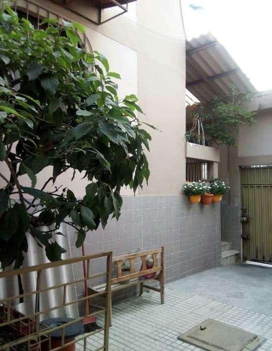 Casa en venta en Samanes 1 cerca del Tia de Samanes
