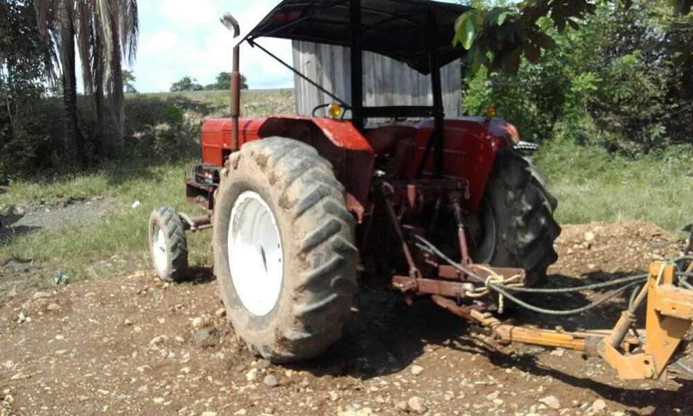 Vendo Tractor Fiat 900 100x100 Operativo