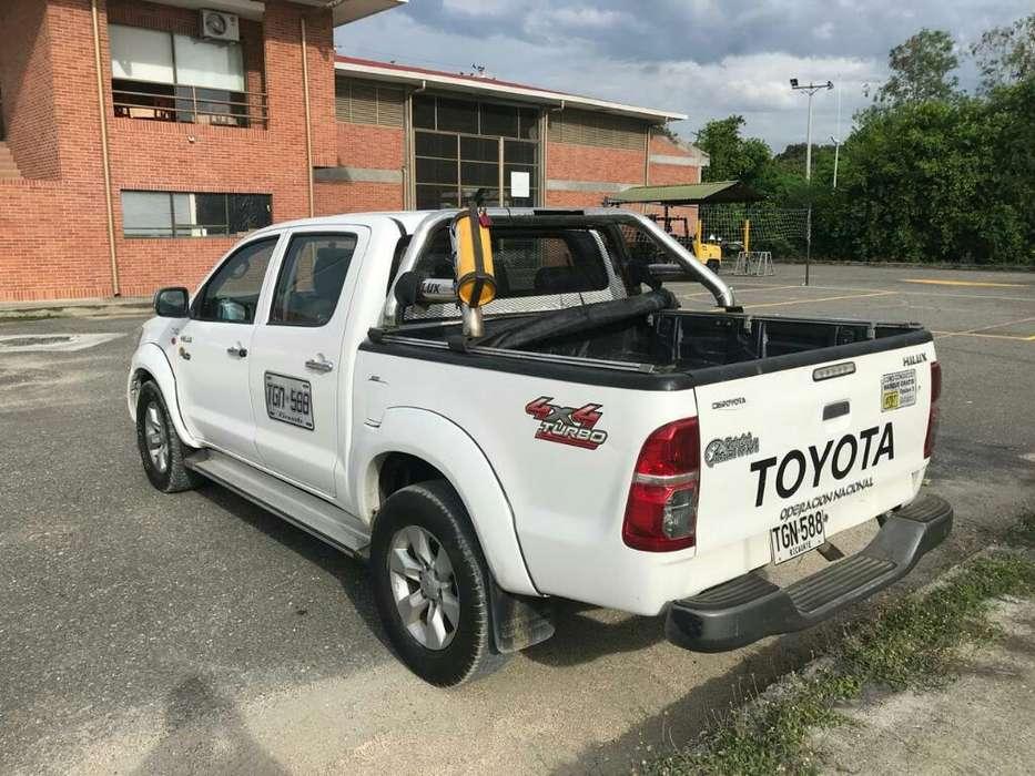 Se Vende Camioneta Toyota 2014