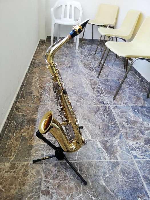 Saxofón Yamaha Yas-23 Como Nuevo