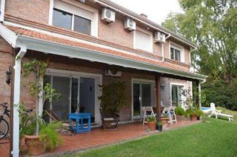 Excelente casa en Venta y/o Alquiler en el barrio Rincon del Arca!