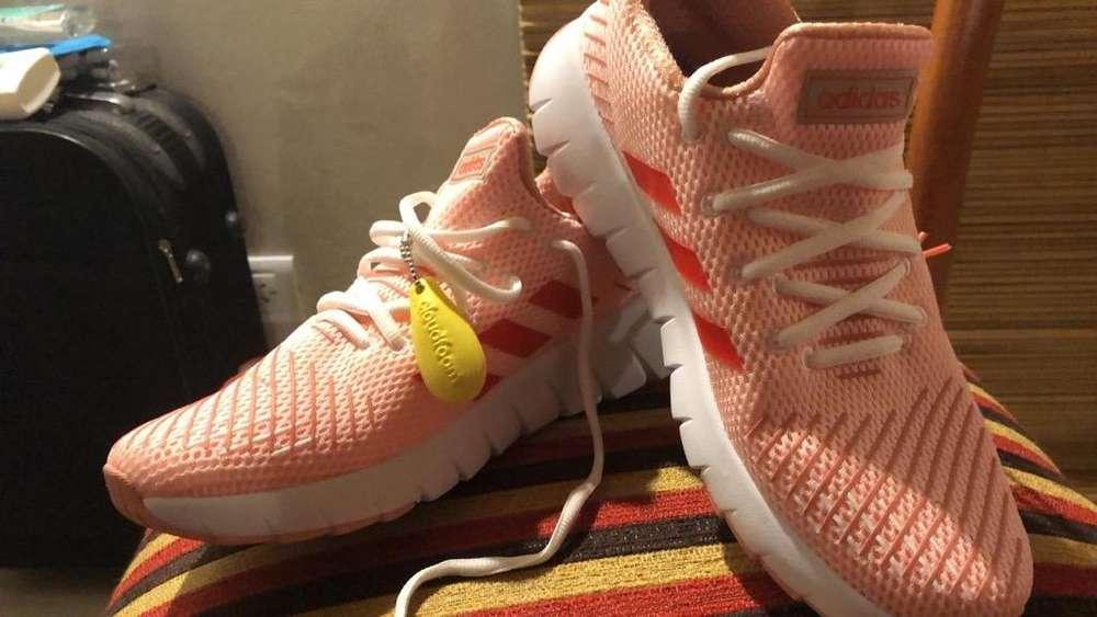 Zapatillas Nuevas sin Huso