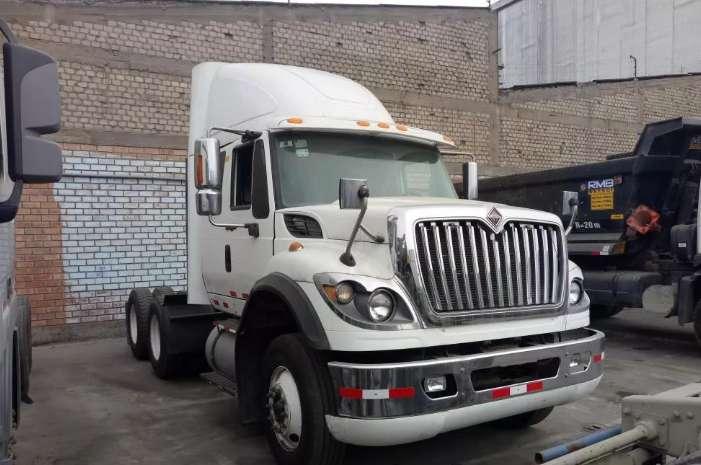 REMOLCADOR INTERNATIONAL 7600 2013