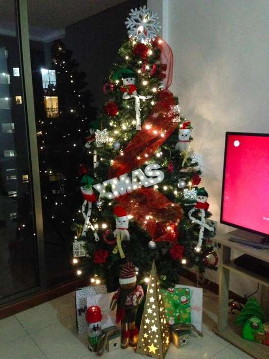 Arbol de Navidad (completamente decorado)