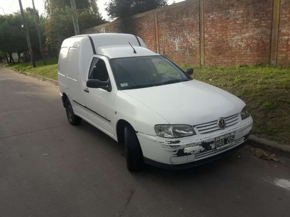 Volkswagen Caddy 2008 - 200000 km