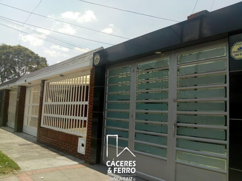 Casa En Arriendo En Bogota Modelia Cod. ABCYF21317
