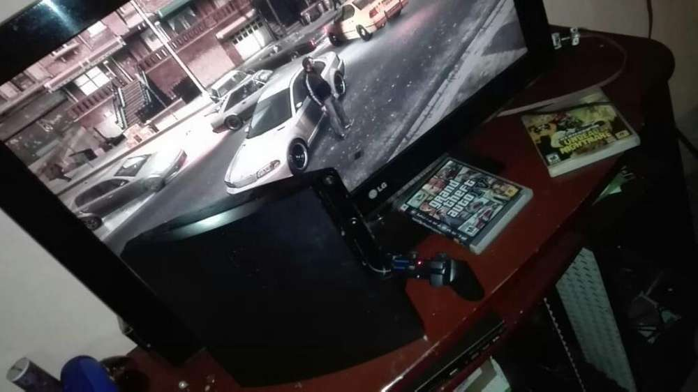 Vendo Ps3 Slim con Gta 4 Detalle Boton