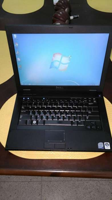 Laptop marca Dell 130