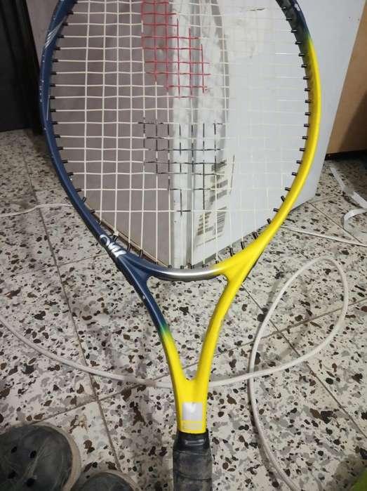 Vendo Raqueta para Tennis