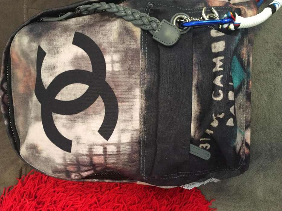 Cartera Mochila Chanel Grafitti Destroyed