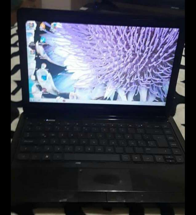 Vendo Laptop Compac en Buen Estado
