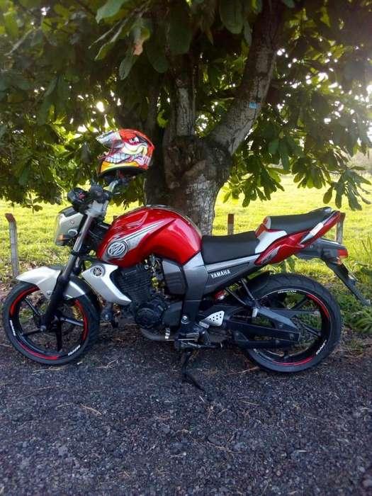 VENDO <strong>yamaha</strong> FZ 16 2014
