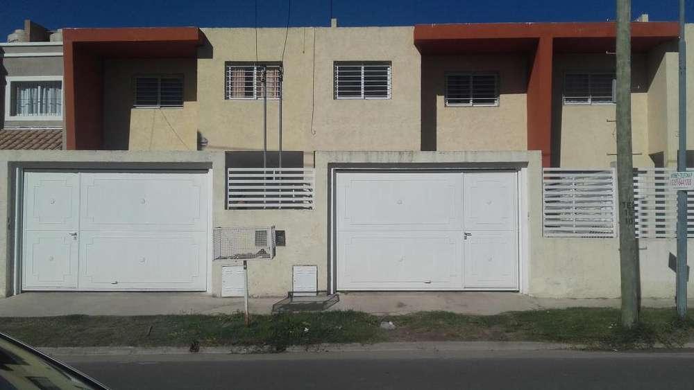 ALQUILO DUPLEX 3 DORMITORIOS con Garage - Fte Plaza