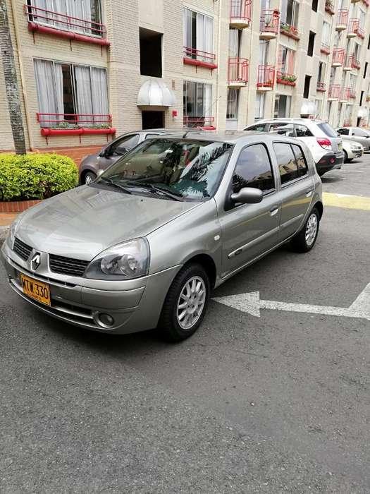 Renault Clio  2012 - 68000 km