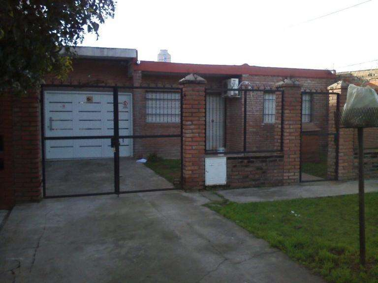 Rosario: Colombres 1529 Casa 2 dormitorios en Altos de Mendo