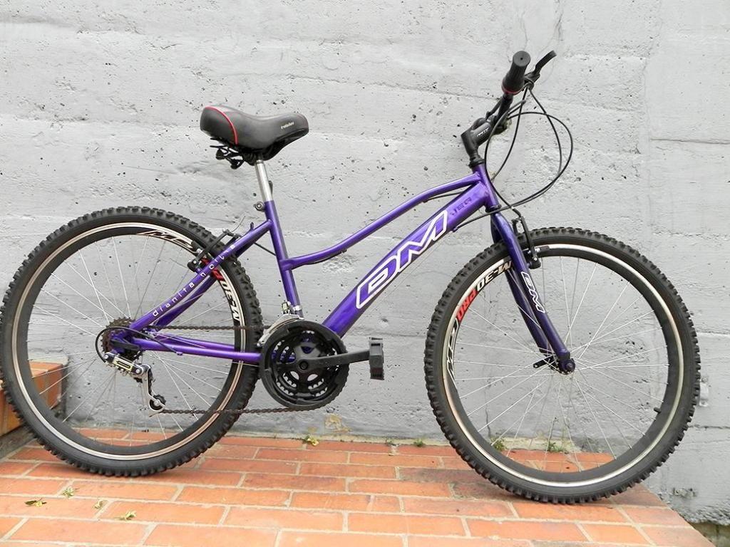 e0dfb272defb0 Dos bicicletas en una MTB y PLAYERA para mujer como nueva - Bogotá