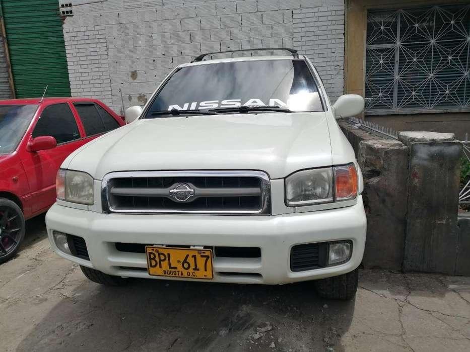 Nissan Pathfinder 2002 - 250000 km