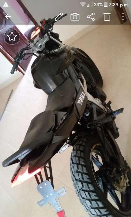 Moto Um Strexx 180