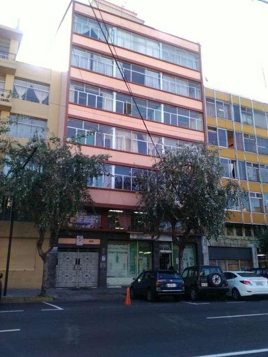 Venta de edificio de 8 pisos cerca universidad central.