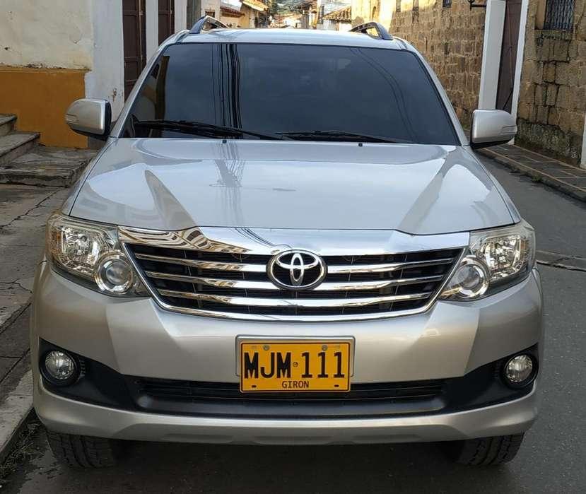 Toyota Fortuner 2013 - 80000 km