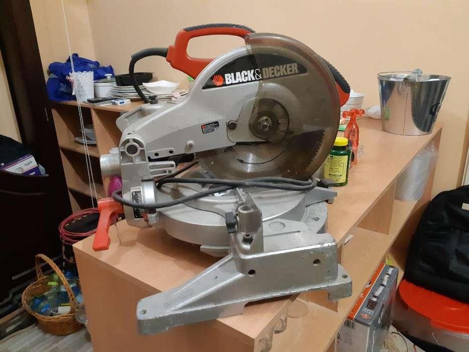 Máquina Cortadora de Aluminio