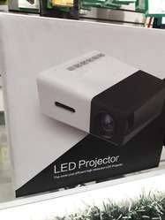 Remate TOTAL Proyectores Led Unic Proyector Hd 1080 P Locales Fisicos Mod 2019