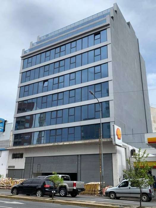 Edificio <strong>corporativo</strong> - Local 750 m2 SS