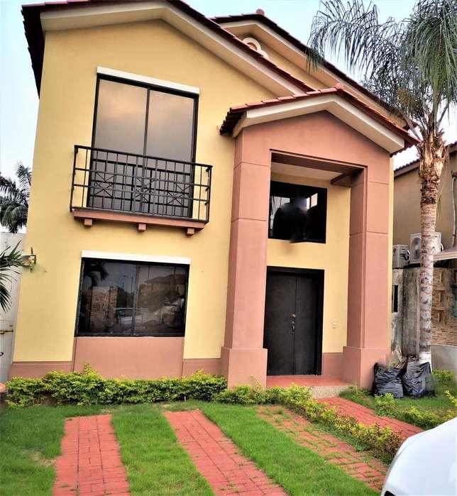 alquilo villa 4 dormitorios en urb <strong>ciudad</strong> celeste,Guayaquil