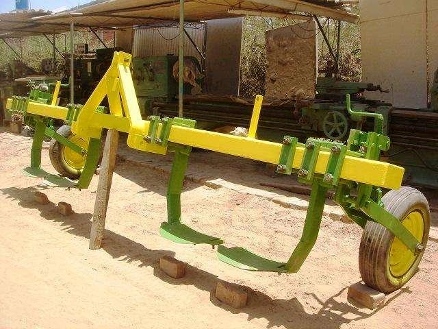 Cortador de Raíz Implemento agrícola usado