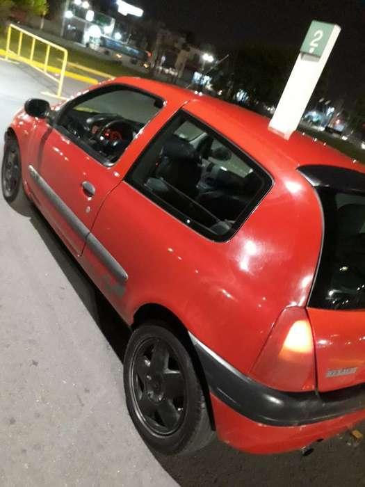 Renault Clio  2001 - 200000 km