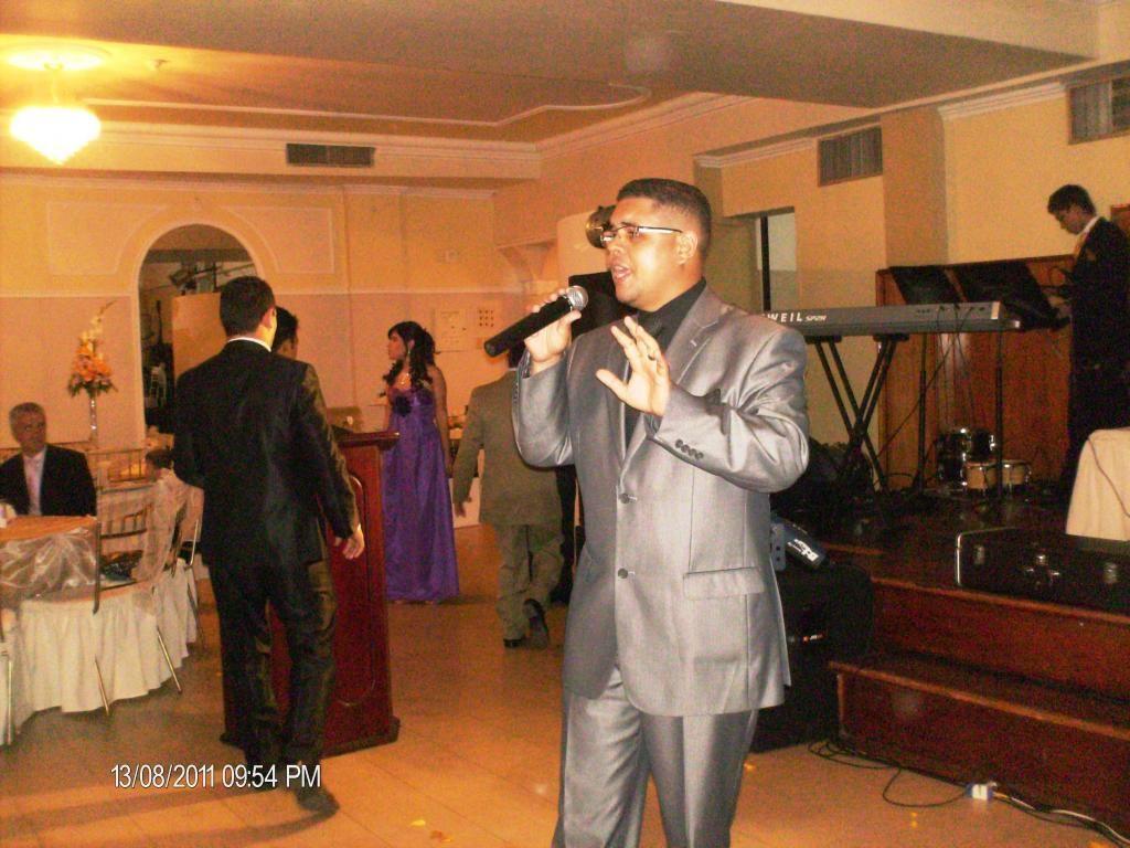 Maestro De Ceremonias Animador Y Cantante Para Bodas Matrimonios
