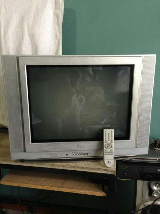 Tv Lg 21 con Control Pantalla Plana Flatron.