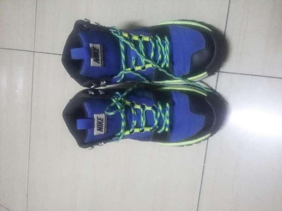 Vendo zapatillas nike origuinal talla 44