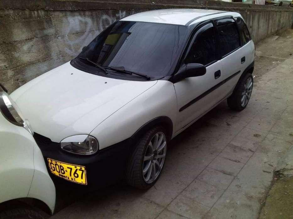 Corsa L Modelo 2000