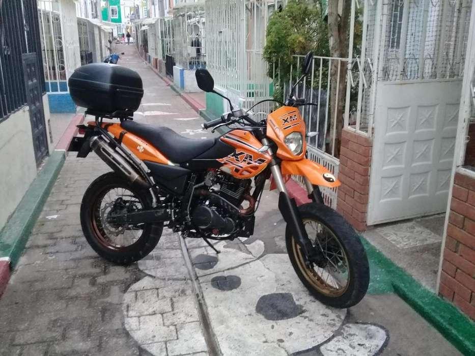 Moto AKT XM 200