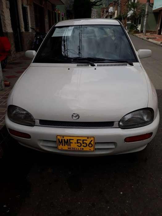 Mazda 121 1998 - 170 km