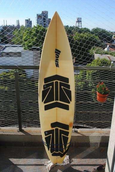 vendo tabla de surf marca SKULL COMPRADA EN BRASIL