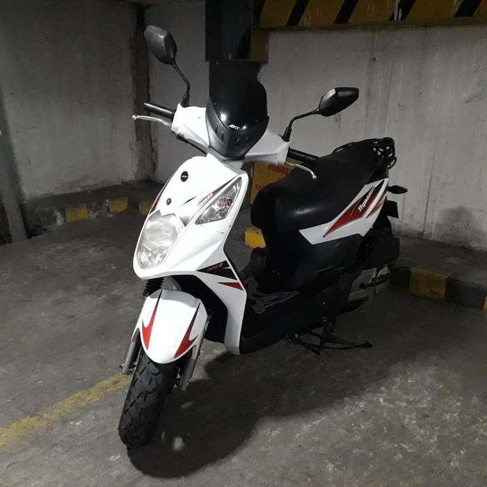 Vendo Moto Dinámic Blanca Akt 2013