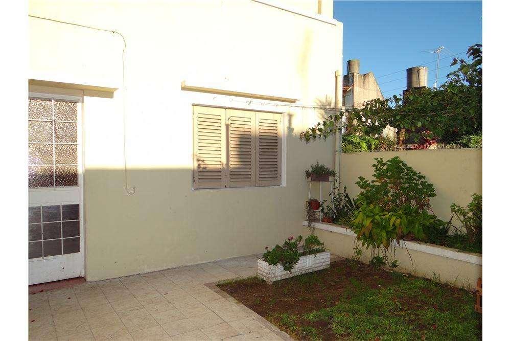 Venta de PH Villa Ballester con jardín y terraza