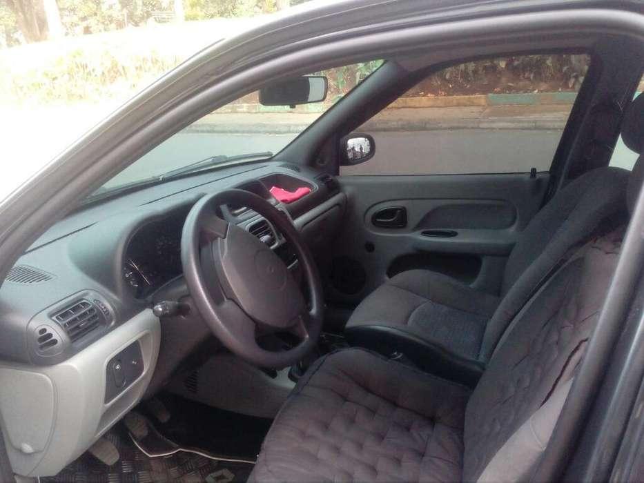 Renault Clio  2013 - 64000 km