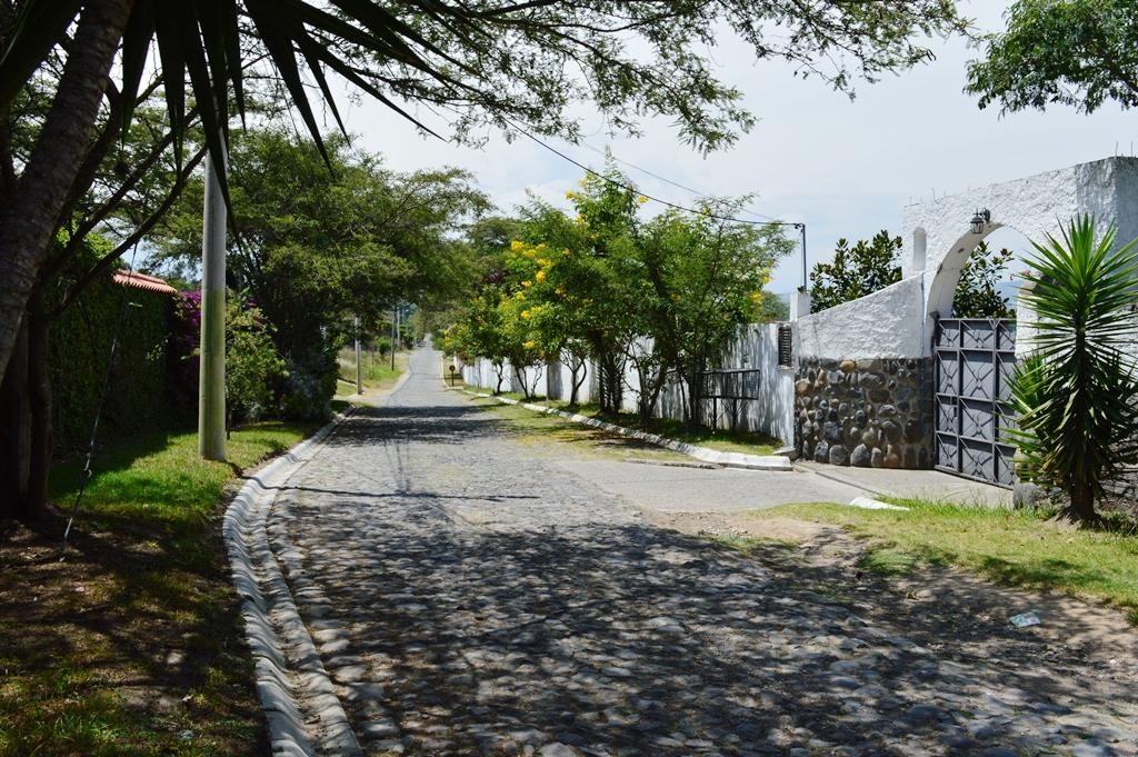 Venta Terreno Sector Hylacril Tumbaco Dentro de Urbanización Las Peñas