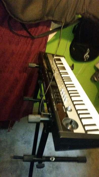 Piano Korg Microstation