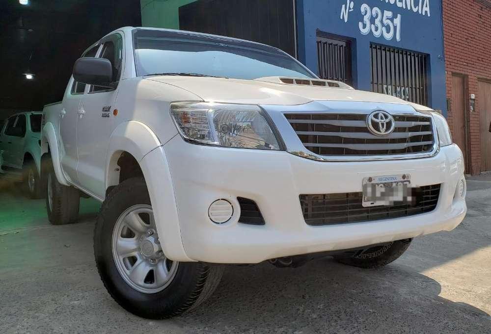 Toyota Hilux 2013 - 127000 km