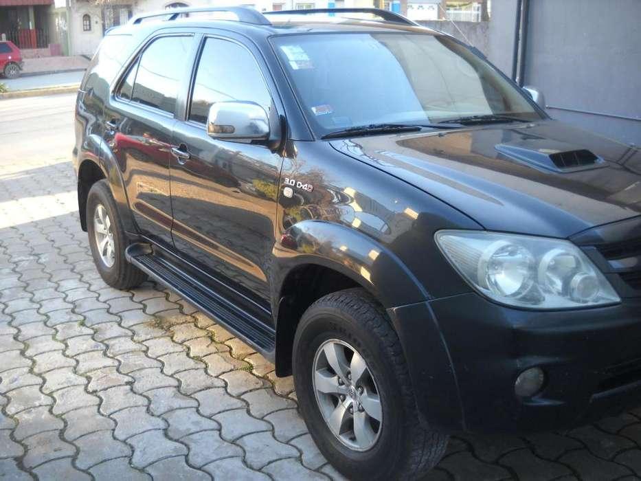 Toyota Hilux SW4 2006 - 325000 km