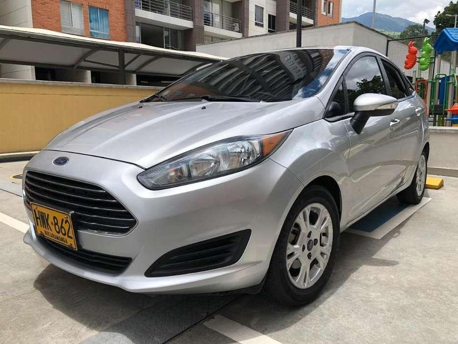 Ford Fiesta  2014 - 69000 km