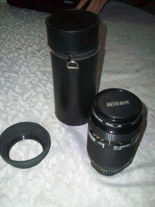 teleobjetivo Nikon AFZOOMNIKKOR 70210/F45,6
