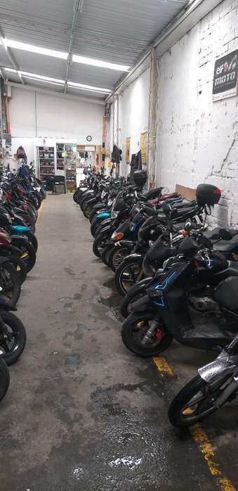 Se Vende Parqueadero de Motos