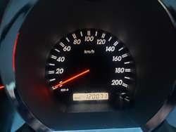Vencambio Toyota Fortuner 4x4 Aut 2008